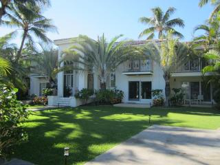 Grand Kahala 5BR Estate, Pool, Steps to Beach, A/C - Honolulu vacation rentals