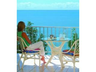 MILLION DOLLAR OCEAN VIEWS - Gateway to the Barrier Reef - ABSOLUTE BEACHFRONT - Trinity Beach vacation rentals