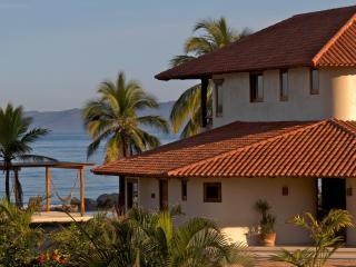Zihua-Barra de Potosi :Casa Paz - Barra de Potosi vacation rentals
