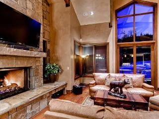 Lewis Ranch Lodge -Ski in/out, hot tub, pool table - Copper Mountain vacation rentals