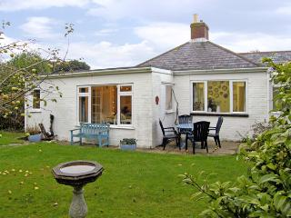 DRIFTWOOD, family friendly, with a garden in Milford On Sea, Ref 3757 - Beaulieu vacation rentals