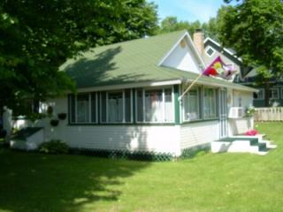Cabin On the Commons - Lake Melissa - Detroit Lakes vacation rentals