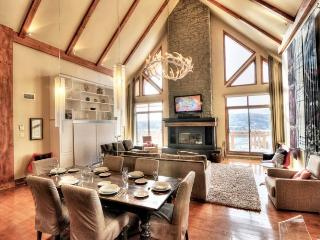 Altitude deluxe Ski-in/out condos 3brs Spa Sauna - Mont Tremblant vacation rentals