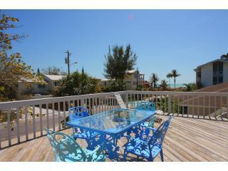 Berryfish Apartments. Gulf location! Sea Views! - Anna Maria vacation rentals