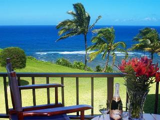 Sealodge J9: Oceanfront and updated, beautiful upstairs 2br/2ba condo - Princeville vacation rentals
