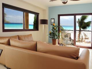 living - New Luxury 4 bed/3 bath Oceanfront!!! (EFS208) - Playa del Carmen - rentals