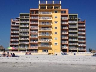 DEc 3 - 24, $499/WK at HOLIDAY VILLAS III.... CALL US QUICK!!!!!!! - Indian Shores vacation rentals