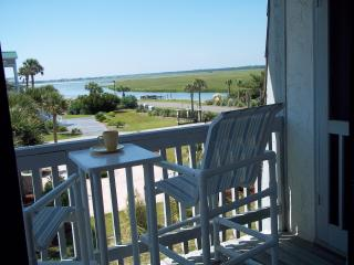 OCEANFRONT COMPLEX - SIDE BLDG - STEPS TO BEACH - GREAT INLET VIEW - WIFI - Ocean Isle Beach vacation rentals