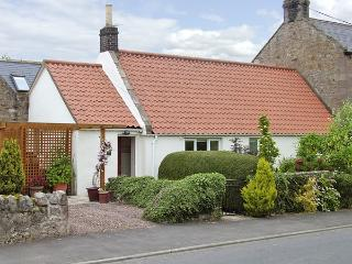 LIGHT PIPE COTTAGE, family friendly, country holiday cottage, with a garden in Lowick, Ref 3803 - Lowick vacation rentals