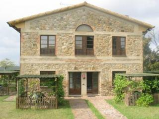 Beautiful Hilltop 2-Story Farmhouse Apartment - San Gimignano vacation rentals
