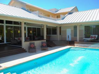 Casa Shores 5 Star Lux 5BR/4BA Priv Pool Home 1 Blk 2 Priv Bch - Pompano Beach vacation rentals