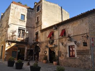"""Apt.2_""""Can Felip"""" A beautifully XVII century house - Palafrugell vacation rentals"""