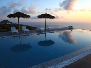 Eos Apartment superb views of Aegean - Imerovigli vacation rentals