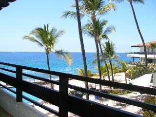 ALMOST OCEANFRONT!! 2BD 2BA, AC. Casa de Emdeko #317 - Kailua-Kona vacation rentals