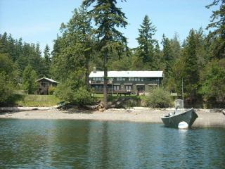 Nice B&B with Deck and Internet Access - Eastsound vacation rentals