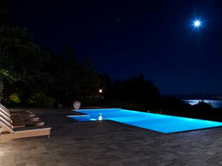 Villa Luna - Luxury Villa over Lago Trasimeno - Umbria vacation rentals