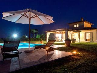 Authentic Leopold Villa in Cortona at Isola - Montecchio vacation rentals