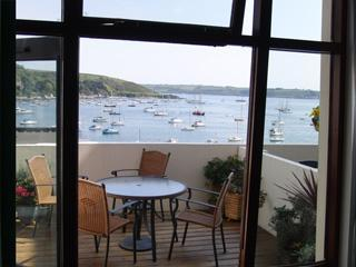 View over the garden terrace - Puffins in Packet Quays, Falmouth - Falmouth - rentals
