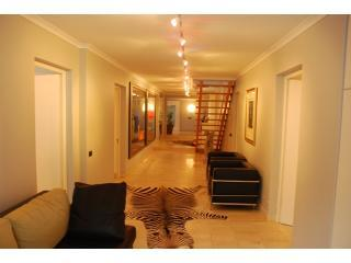 entrance hall - Maison Fontainbleau - Cape Town - rentals