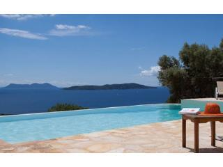 Swimming pool with view over the sea - Luxury Seaview Villa w/ Private Pool - Sivota - rentals