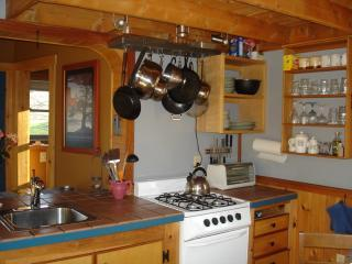 Cozy Cottage with Internet Access and Garden - Moretown vacation rentals