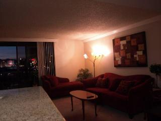 Beautiful Condo with Dishwasher and A/C - Las Vegas vacation rentals