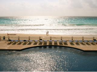 Main Pool - 2 bedroom 2 Bath...Beautiful...Sleeps up to 6 - Cancun - rentals
