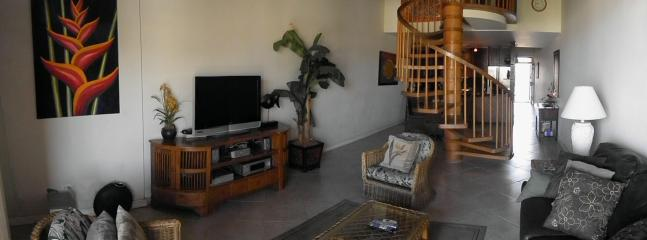 Spacious and comfortable living space with pull out sofa - GREAT DEAL FOR BEAUTIFUL 2 Bd 2 BA  Ocean View - Kihei - rentals