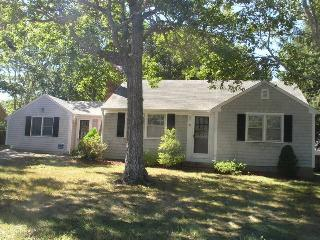 Bright 3 bedroom House in West Dennis with Deck - West Dennis vacation rentals