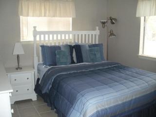 Open, airy comfortable master bedroom with queen - Hilton Head Vacation Condo Rental - Hilton Head - rentals