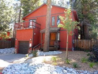 Spacious 4 bdrm house near downtown S. Lake Tahoe - South Lake Tahoe vacation rentals