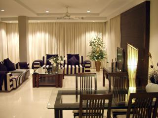 Just Steps to the Beach and Karon Town Center - Karon vacation rentals