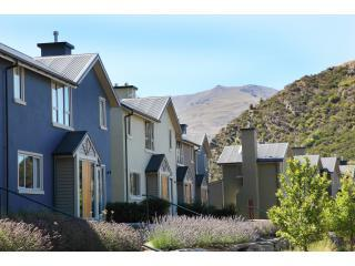 Beautiful Condo with Internet Access and Tennis Court - Arrowtown vacation rentals