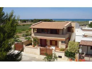 Yellow Beach House - Yellow Beach House (JUNE 50% OFF) - Carovigno - rentals