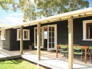 Karaka Cottage at Matahua Cottages, Mapua-Nelson - Nelson vacation rentals