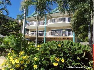 Yorkeys Knob Beachfront Apartments  Queensland. - Queensland vacation rentals