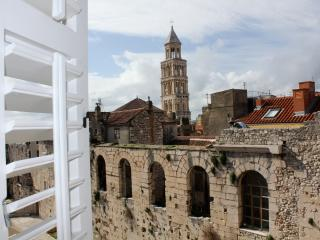 Palace View - spacious apartment in Split Centre - Kastel Sucurac vacation rentals