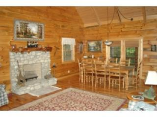 Mapleridge, delux log cabin sleeps 12, - Logan vacation rentals