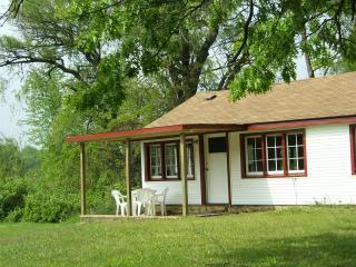 Folk Cottage - Lakefront Cottage, Semi-private Lake, Beach Boats - Three Rivers vacation rentals