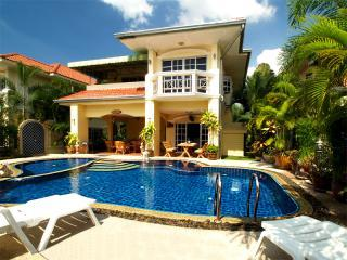 Four Bedroom Villa with Private Pool and Car - Luxury Villa with Private Pool and Car in Pattaya - Pattaya - rentals