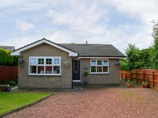 SERENITY, family friendly, with a garden in Embleton, Ref 3523 - Embleton vacation rentals