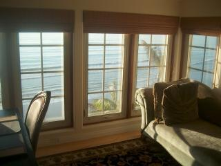 132 5th View from King Bed, office space in master bedroom with lounge - Oceanfront Luxury! 132 Beach, pool, jacuzzi - Encinitas - rentals