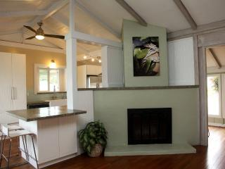 Beautiful House with Deck and Internet Access - Kailua vacation rentals