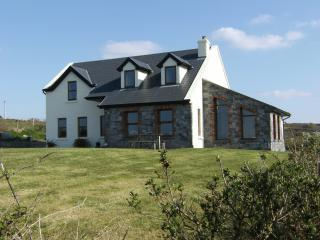 "Gentian Cottage ""A little piece of heaven"" - Doolin vacation rentals"