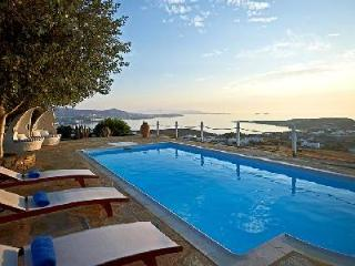 Chic Villa Althea 5 on 86,000 ft² estate with sublime sunset views & sleek pool - Parikia vacation rentals