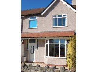 Front of house - Modern, spacious holiday home in seaside village - Rhos-on-Sea - rentals