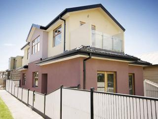 Inner City Manor Large Family House Close To City - Melbourne vacation rentals
