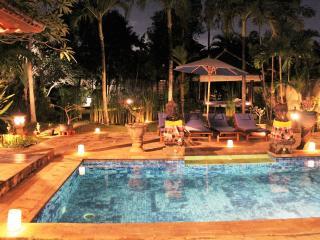 LARGE 3 BEDROOM VILLA - BATU BELIG / SEMINYAK BALI - Seminyak vacation rentals