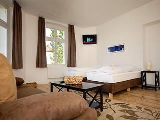 Granados Family Plus Apartment in Berlin - Berlin vacation rentals
