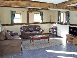 THE HOP KILN, family friendly, character holiday cottage, with a garden in Luntley, Ref 3806 - Pembridge vacation rentals